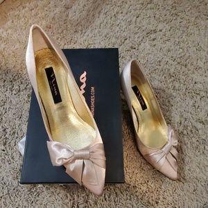 Nina Paladino gold shoes 7.5